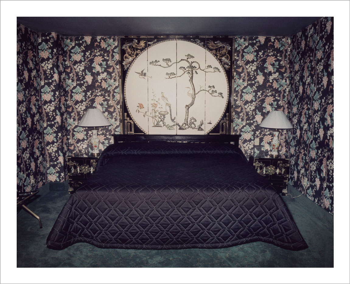 room-for-love-valentin-vallhonrat-photographer-photography-artist-exhibition-museum-6